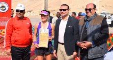 نائب محافظ الأقصر يكرم الفائزين فى ختام فعاليات ماراثون الأقصر الدولي