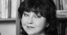 الفنانة الروسية فانيا خليلوفا