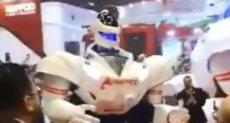 روبوت يرقص