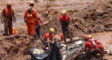 أثناء البحث عن ضحايا السد
