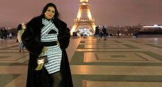 رانيا يوسف امام برج ايفل