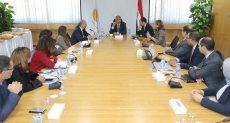 محافظ البنك المركزي طارق عامر خلال الاجتماع