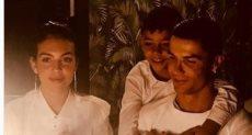 كريستيانو مع ابنه وزوجته