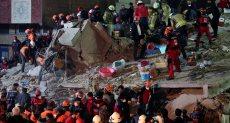 انهيار مبنى سكنى باسطنبول التركية