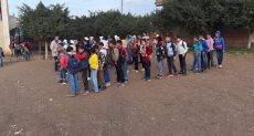الطلاب بفناء أحد مدارس الغربية