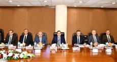 وزير البترول طارق الملا خلال رئاسته للجمعيات