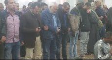 جانب من صلاة الجنازة على جثمان الفنانة الراحلة نادية فهمي