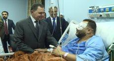 وزير الداخلية يزور مصابي الدرب الأحمر