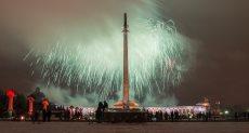 الألعاب النارية تضيء سماء موسكو