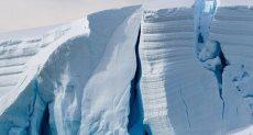 تصدعات هائلة بالجبل الجليدى