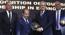 تكريم محمد السويدى رئيس اتحاد الصناعات المصرية بحفل BT100