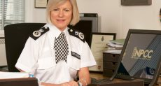 سارة ثورنتون رئيس مجلس رؤساء الشرطة البريطانية