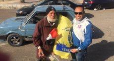 """عم """"محمود"""" بائع أعلام الإسماعيلى"""