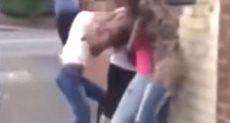 خناقة عنيفة بين ثلاث فتيات