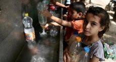 أطفال غزة فى انتظار المياه
