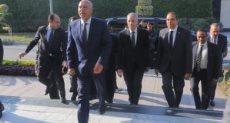المهندس كامل الوزير وزير النقل بمحطة مصر - ارشيفية