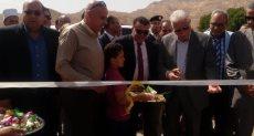 اللواء خالد فودة محافظ جنوب سيناء أثناء افتتاح مزرعة أبو غراقد