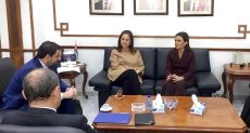 سحر نصر خلال لقائها مع وزير الصناعة الأردني