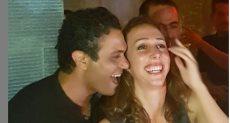 الفنان آسر ياسين و زوجته
