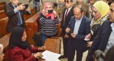 وزير التجارة والصناعة يدلي بصوته في الاستفتاء على التعديلات الدستورية