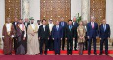 الرئيس عبد الفتاح السيسي مع وزراء الشباب العرب