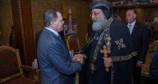 وزير الداخلية يزور الكاتدرائية