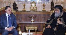 وزير الداخلية يقدم التهنئة لقداسة البابا تواضروس