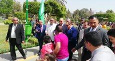 اللواء خالد عبد العال محافظ القاهرة فى الحديقة