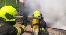 اطفاء حريق سيارة