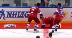 سقوط الرئيس الروسى أثناء المباراة