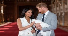 ميجان وهارى مع مولودهما