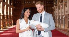 الأمير هارى و ميجان ماركل مع طفلهما