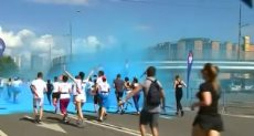 الآلاف يشاركون فى ماراثون الألوان بموسكو