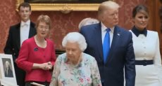 الملكة إليزابيث والرئيس ترامب وقرينته