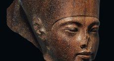 رأس تمثال الملك توت عنخ آمون