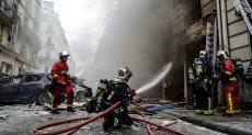 جانب من اخماد الحريق