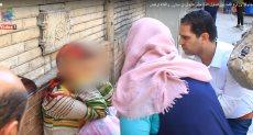 مسئولو وزارة التضامن يحاولون إنقاذ الفتاة