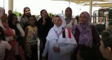 حجاج بيت الله يودعون ذويهم بمطار القاهرة