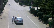 سائق ينقذ سيارة