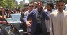 أحمد فاروق الفيشاوي أثناء الجنازة