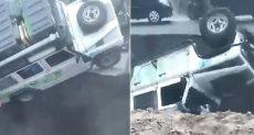 لحظة سقوط السيارة فى الانهيار الأرضى