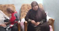 والدة طفل مريض بمعهد الأورام