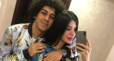 حسين الشحات وزوجته