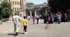 جانب من إقبال كبير من المواطنين على حديقة الحيوان فى ثالث أيام عيد الأضحى