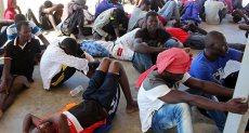 البحرية الليبية تنقذ مهاجرين