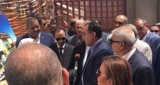 رئيس الوزراء يتفقد مستشفى سمالوط
