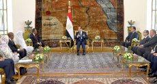 الرئيس يستقبل رئيس وزراء السودان