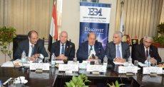 رئيس مصلحة الجمارك مع أعضاء مجلس إدارة جمعية رجال الأعمال المصريين