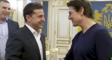 الرئيس الأوكراني يلتقي توم كروز