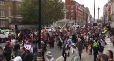 آلاف البريطانيين يخرجون في مسيرة وسط لندن رفضا للبريكست